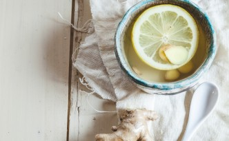 Lemon-ginger-tea with honey as remedy against the cold or sore throat